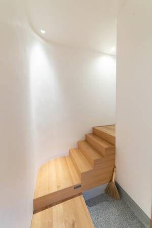 プレーンなデザインの美しさ閉じているのに光が抜ける主張をしない、普遍の住まい