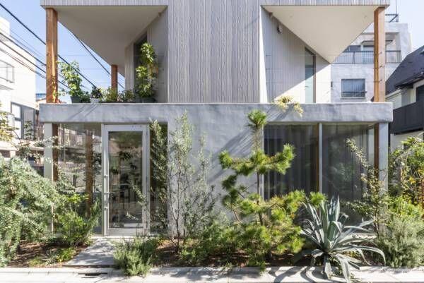 日本文化とグリーンの融合緑のルーフバルコニーが内と外とを曖昧に繋ぐ