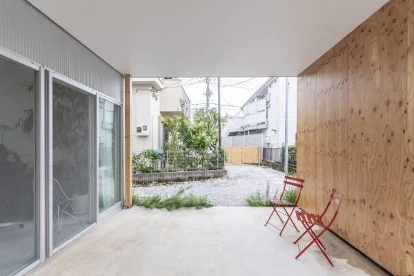 旗竿敷地の賃貸併用住宅箱がずれてつながる大空間で外とつながりつつ楽しく暮らす