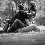 交際人数と結婚に至る確率には、不思議な関係があった?-学歴グループ別の分析