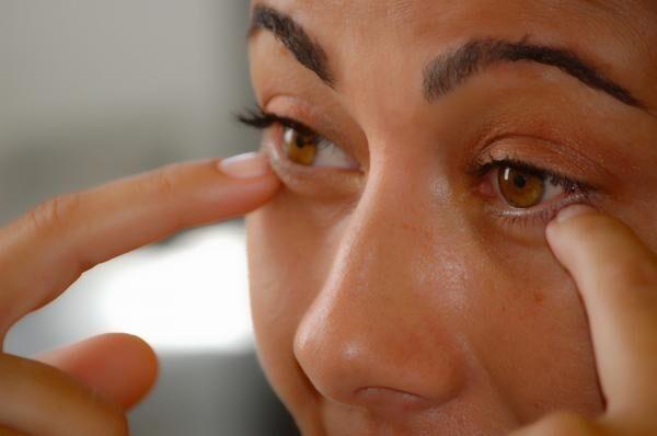 makeup-464665_960_720