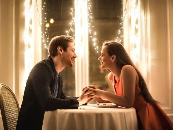 男は「飲みに誘った時の反応」で彼女にできるか見極めてる?