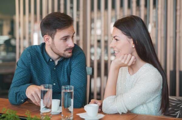 男性に聞いた!女性とのデートで「つまらない…」と感じているときに出すサイン