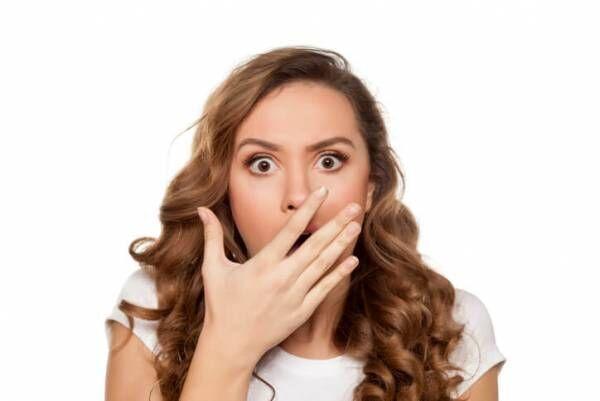 大人気ない…男性が「残念だな」と感じる年上女性の特徴って?