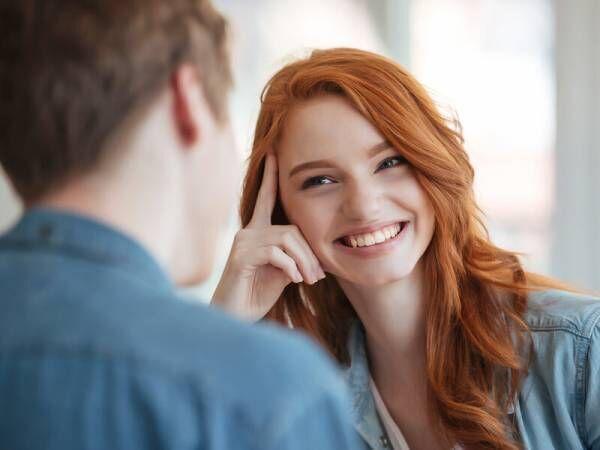 チャンスはある…?「彼女がいる男性」へのアプローチ方法