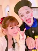 辻希美、キョンシー姿のウド鈴木とツーショット 「いい人過ぎなほどいい人!」