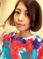 安田美沙子が心機一転、虹色の服を着てボブにする