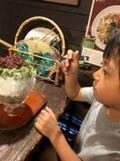 市川海老蔵、子ども達とかき氷を堪能「暑いからね」