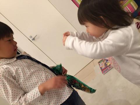 東尾理子、息子がチョコ2個しかもらえず不機嫌に「みんなバカちん!」