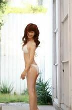 大場久美子、54歳のグラビアに反響「最高です!」「めちゃめちゃキレイ」の声