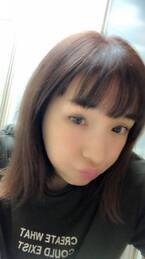加護亜依、お気に入りのメイクアイテムを公開「赤茶にハマってます」