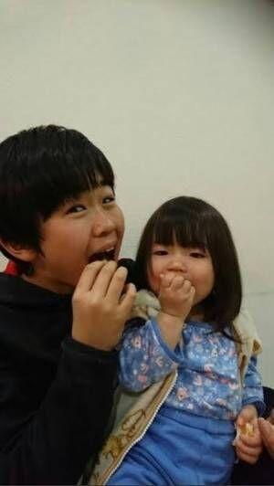 鈴木福、2歳の末っ子妹が和楽器演奏する動画を公開「天才現る」