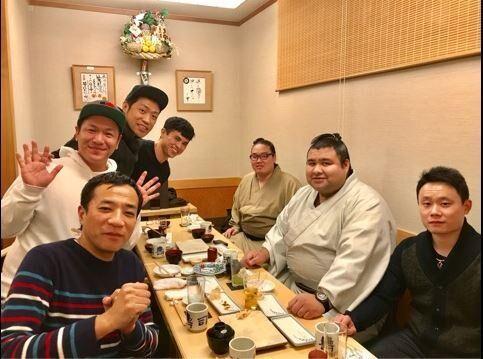 はなわ 大関・高安、小島よしおらとの食事会を堪能「楽しかった!」