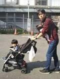 藤井ペイジ、電車の「ベビーカー論争」に意見「どうかご勘弁を!」と理解求める