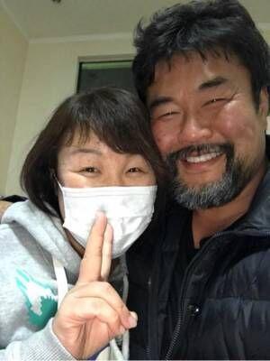 """佐々木健介、海外から帰国し愛犬が""""嬉ション""""「喜んでくれました」"""