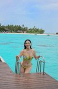 アンミカ、モルディブで水着姿を公開「初のイエローのビキニに挑戦です」