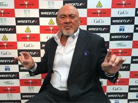 武藤敬司、両膝の手術を決心 不安と恐怖に「打ち勝ってみせる」