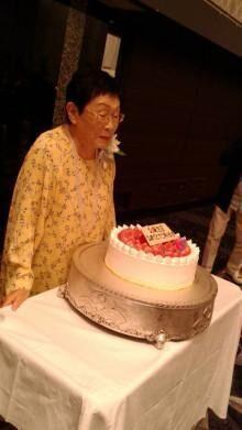 93歳の誕生日を迎えた橋田壽賀子さんと集合ショット「ただただ、凄い!素晴らしい!!」