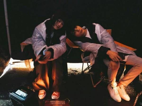 中川大志、杉咲花と休憩中の2ショットを公開「笑顔に僕は何度救われたか」