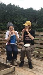 イモトと2人でキャンプ満喫「外で食べるご飯はなんて楽しいんだ」