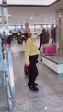 """愛川ゆず季、妊娠8か月の""""ダイナマイトボディー""""公開「やばすぎ笑笑」"""