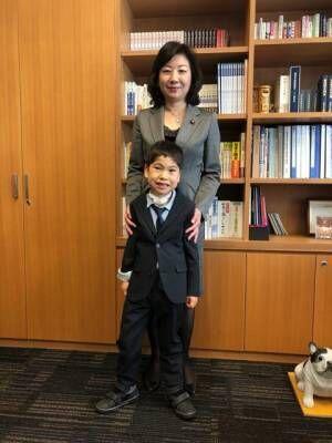 野田聖子、息子が小学1年生の修了式迎え感慨「しっかり育ったね」