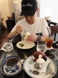 加藤茶、妻とアイスを食べに喫茶店デート「染み渡るね」と堪能