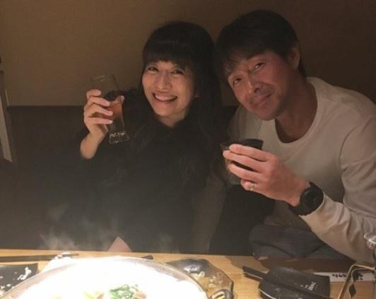 吉田栄作と三倉茉奈