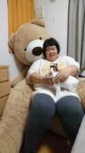 """安藤なつ、サンシャイン池崎宅で最近飼い始めた愛猫・雷神ちゃんを""""わしゃる"""""""