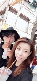 羽野晶紀、夫・和泉元彌と娘の応援へ 2ショットに「変わらずお若い」「お似合いのご夫婦」の声