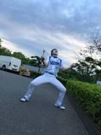 樽美酒研二、始球式で135キロの新記録「目指せ140キロだぁああああ!!!!」