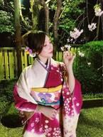 ざわちん、桜柄の着物で夜桜見物 色気あふれる写真に「似合ってます」「和風のべっぴんさん」と絶賛の声