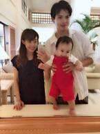 """川崎希、息子が1歳の誕生日迎え""""タイムスリップコーデ""""での家族ショット公開"""