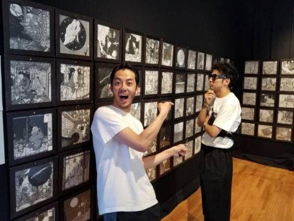 キンコン西野、NY個展に巨大サングラスをかけたピース綾部現る「腹を抱えて笑わせてもらいました」