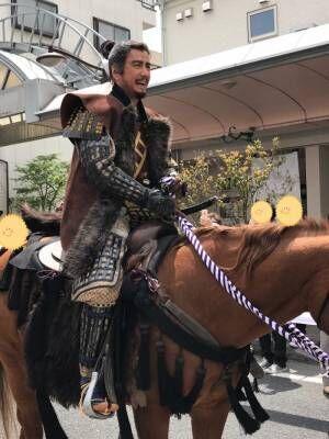 草刈正雄、真田昌幸に扮しての勇壮な騎乗ショット公開 今年も『上田真田まつり』に参加