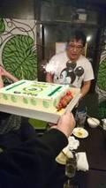 安藤なつ、カンニング竹山の誕生日を髭男爵・ひぐち君らとお祝い