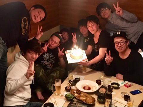 狩野英孝、誕生日を三四郎・小宮ら後輩芸人がお祝い「最高の夜でした」