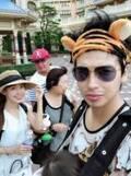 川崎希&アレク、家族でTDLを満喫「大人数で行くのは珍しいかも」