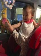 """金田朋子&森渉、1歳2か月の娘が急に""""Y字バランス""""綺麗な姿勢に驚きの声"""