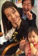 東尾理子が家族すき焼き会の様子を紹介、すみれも遅れて登場