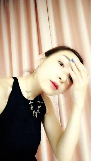 加護亜依、オトナっぽいモード系メイク公開「だってもう30歳ですからね~」