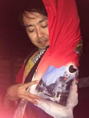 """平野ノラが""""師匠""""アンガールズ・田中卓志のグラビア風写真公開"""