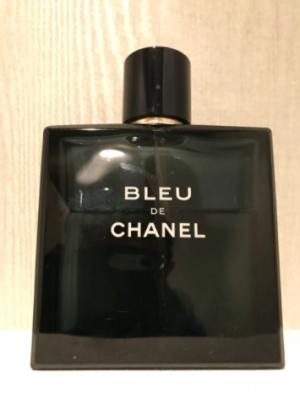 ノッチが幽霊防止にシャネルの香水購入するが家族が近寄らなくなる
