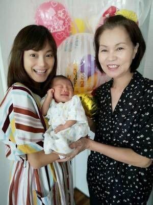 蛯原英里、産後の手伝いに来てくれていた母と3ショット「ありがたみを実感」