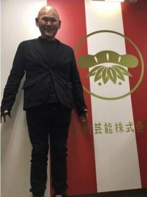 安田大サーカスHIRO、全身黒のほっそりコーデ公開 オシャレも「ぼちぼち勉強」