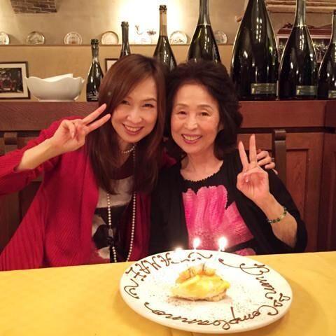 森口博子、81歳の母がステーキをペロリ「健康でいてくれることが何より」