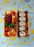 山川恵里佳、子ども達と夫で作り分けたお弁当を公開「モンパパはご飯そのままズドン」