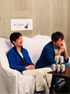 稲垣吾郎、くしゃくしゃな笑顔で「お腹がよじれました」