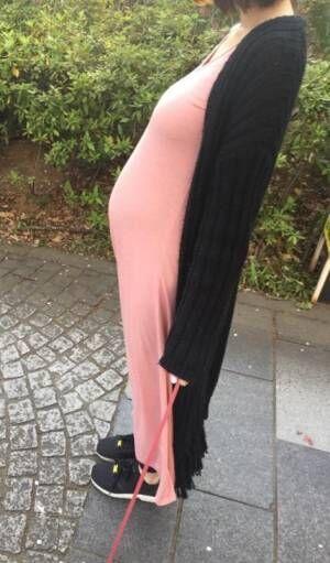 尾崎ナナ、妊娠7ヶ月目のふっくらお腹公開「胎動も日に日にはっきり」