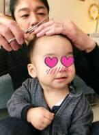 保田圭、元美容院勤務の夫が息子の髪をカット「短髪にしたらますますパパ似」